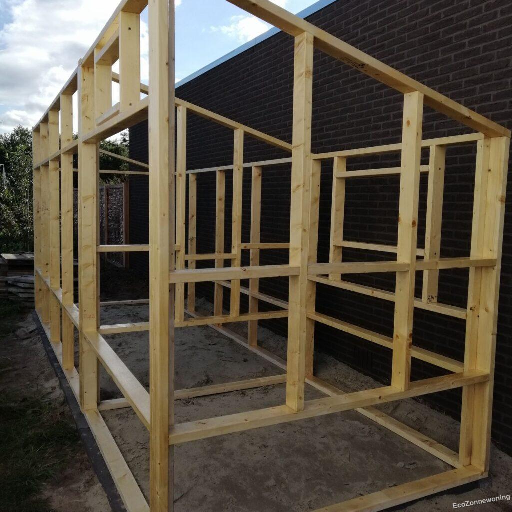 frames aan elkaar - legkasten kant